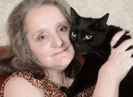 Gatto salva la proprietaria dal collasso
