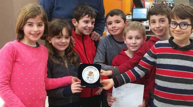 Seborga. Quattro bambini rinunciato ai loro regali di compleanno per poter aiutare i gatti